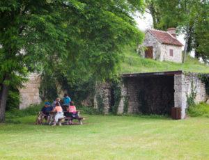 Balade en bord de Creuse – Pause aux anciens fours à chaux