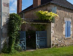Rive gauche, rive droite – Petite maison sur le coteau