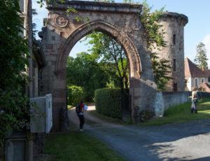 Par la voie verte – Porche du château