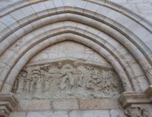 Balade de Saint Victor – Détail du portail de prieuré de Ruffec