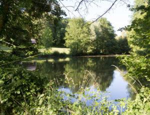 Les trois paroisses – Vue sur l'étang communal de Oulches