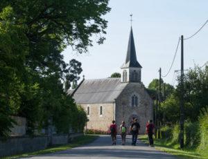 Chemins de sable en Brenne – En allant vers l'église