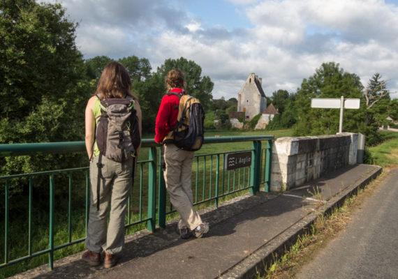 L'Anglin, de roches en roc – Sur le pont à Rocheblond