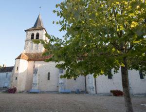 Le Suin, du calcaire à l'argile – L'église et sa pierre blanche