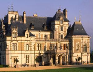 chateaumenetousalon